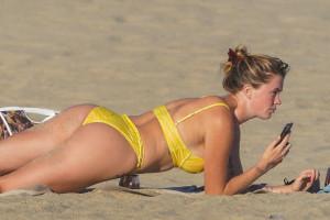 9bceb248d8e7a8378e0df36c85947a5dth - Celebrities nipslip, cameltoe, upskirt, downblouse, topless, nude, etc