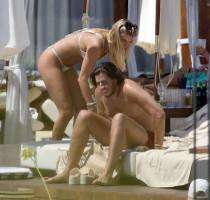 dc5605717f866ca52cf0d7ac77d48370th - Celebrities nipslip, cameltoe, upskirt, downblouse, topless, nude, etc